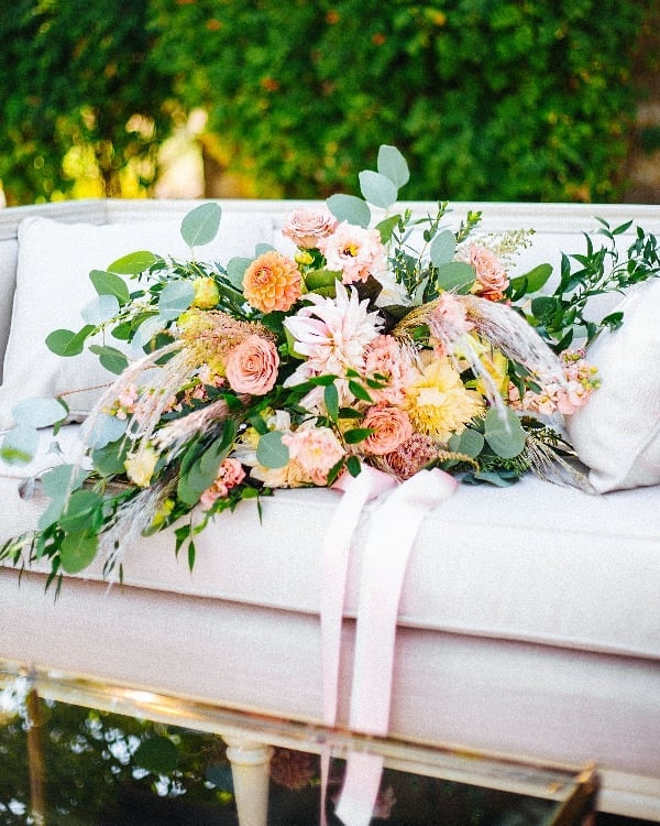 When your bridal bouquet needs it's own loveseat.... . Florals: @posie_shoppe Photographer: @r_petey Rentals: @curated_eventrentals . #weddingflorals #prinevillewedding #centraloregonwedding #weddingbouquet #bridalbouquet #bridalflorals #summerwedding #dahlias #bridebouquet #pnwwedding #bendwedding #oregonwedding #wedding #weddingplanner #oregonbride #bendoregonwedding #theknot #marthaweddings #stylemeprettyweddings