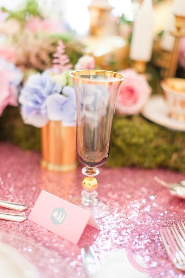 Styled shoot 'Alice in Weddingland' -Roberta Facchini Photography