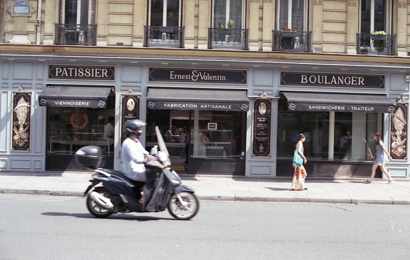 Fujifilm 200 Paris029.jpg