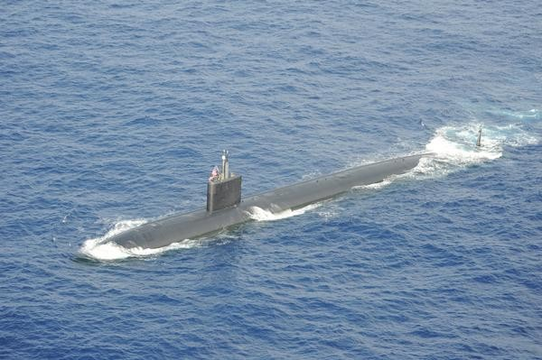 A Los Angeles-class sub surfaces during a Submarine Command Course exercise at the BSURE. (Photo US Navy)