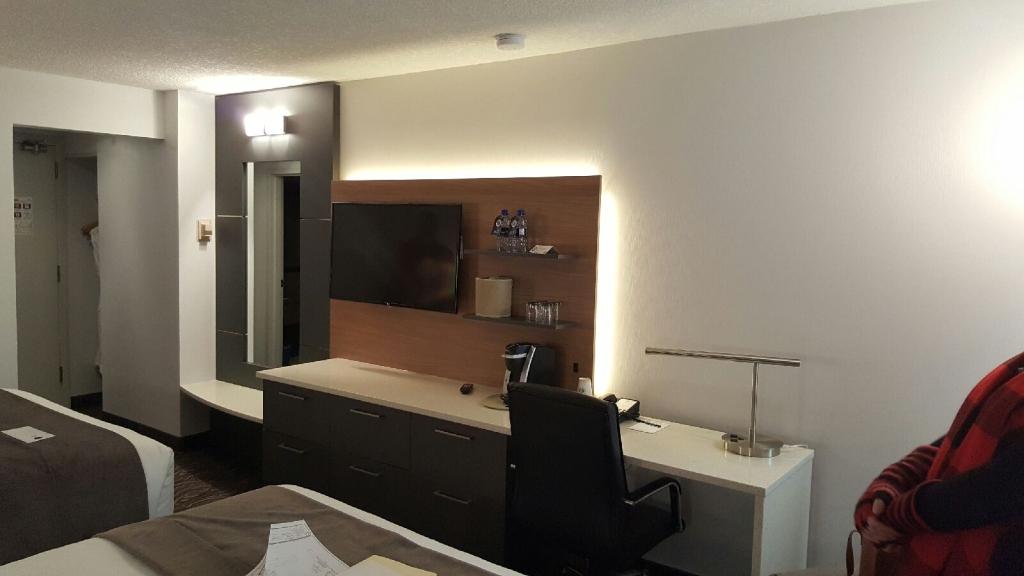 Denca_Carriage_Hotel.JPG