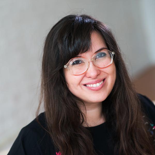 Andrea Bell , Associate Photographer