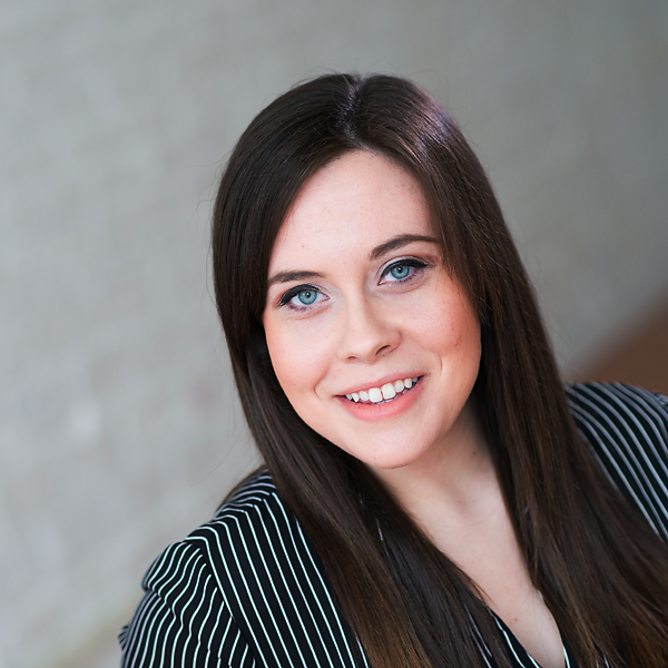 Erica Goulart , Studio Manager