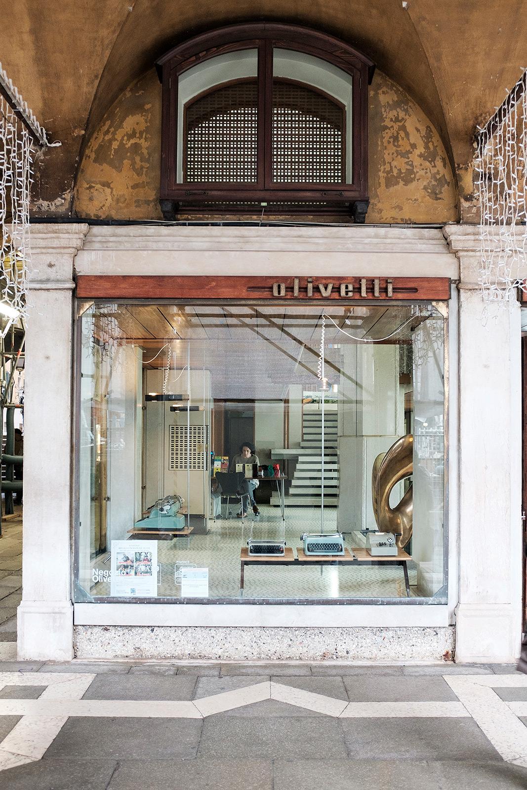 Olivetti01.jpg