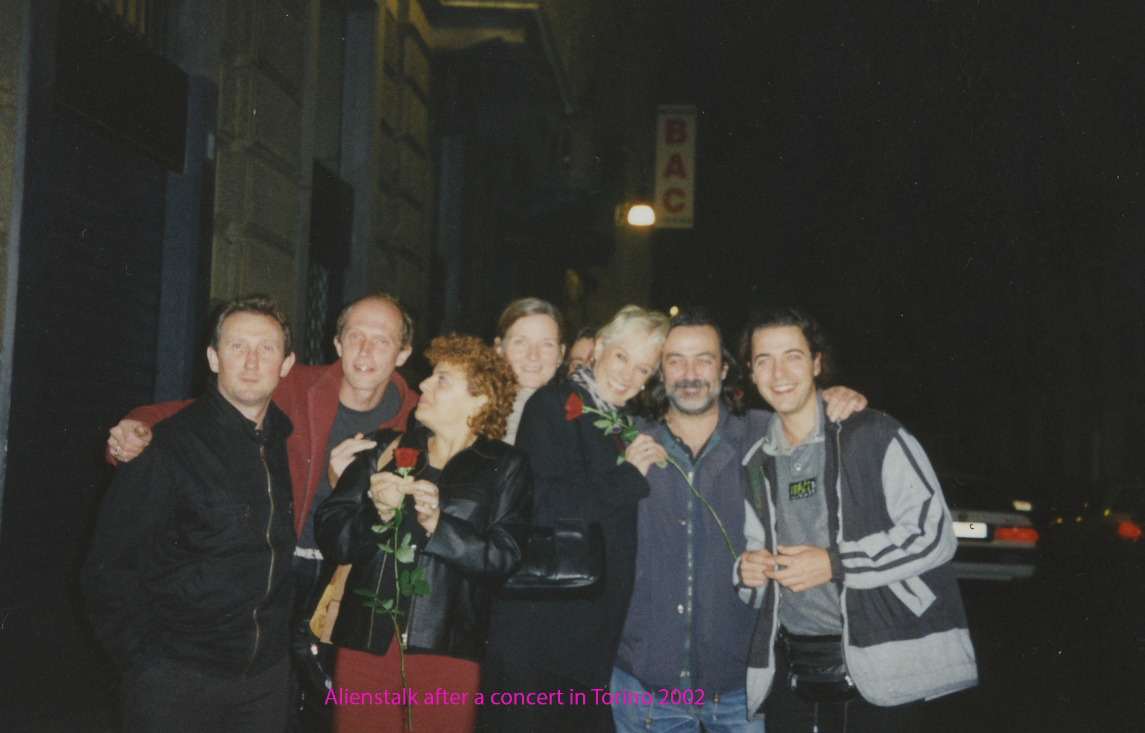 Aliens Talk with Fiorenzo in Torino 2002 named.jpg