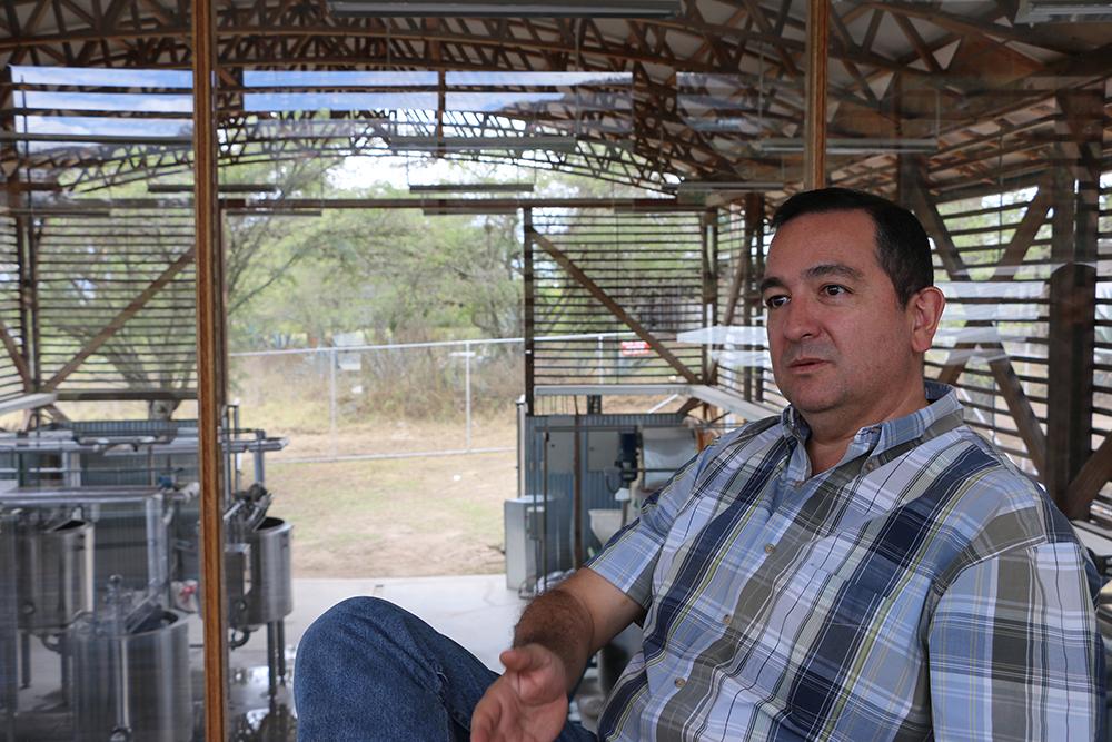 Javier Carvajal, director del Centro para la Investigación de la Biomasa Neo Tropical de la PUCE.