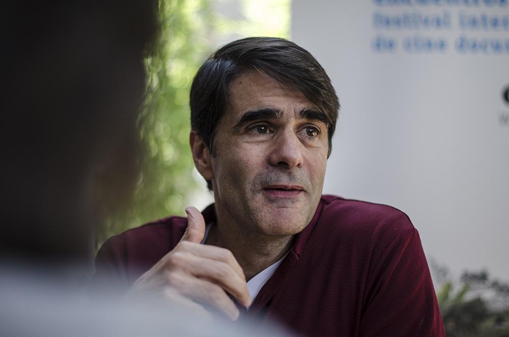 Narrativas de Hoy En El Documental del Mañana - João Moreira Salles visitó Quito para presentar su trabajo en los EDOC y Paralelo conversó con él. Más.