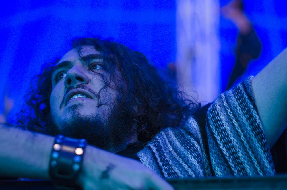 Los ángulos y los colores de El Carpazo     Paralelo  presenta un ensayo de 20 fotos y algo más sobre uno de los principales festivales musicales del país.   Más .