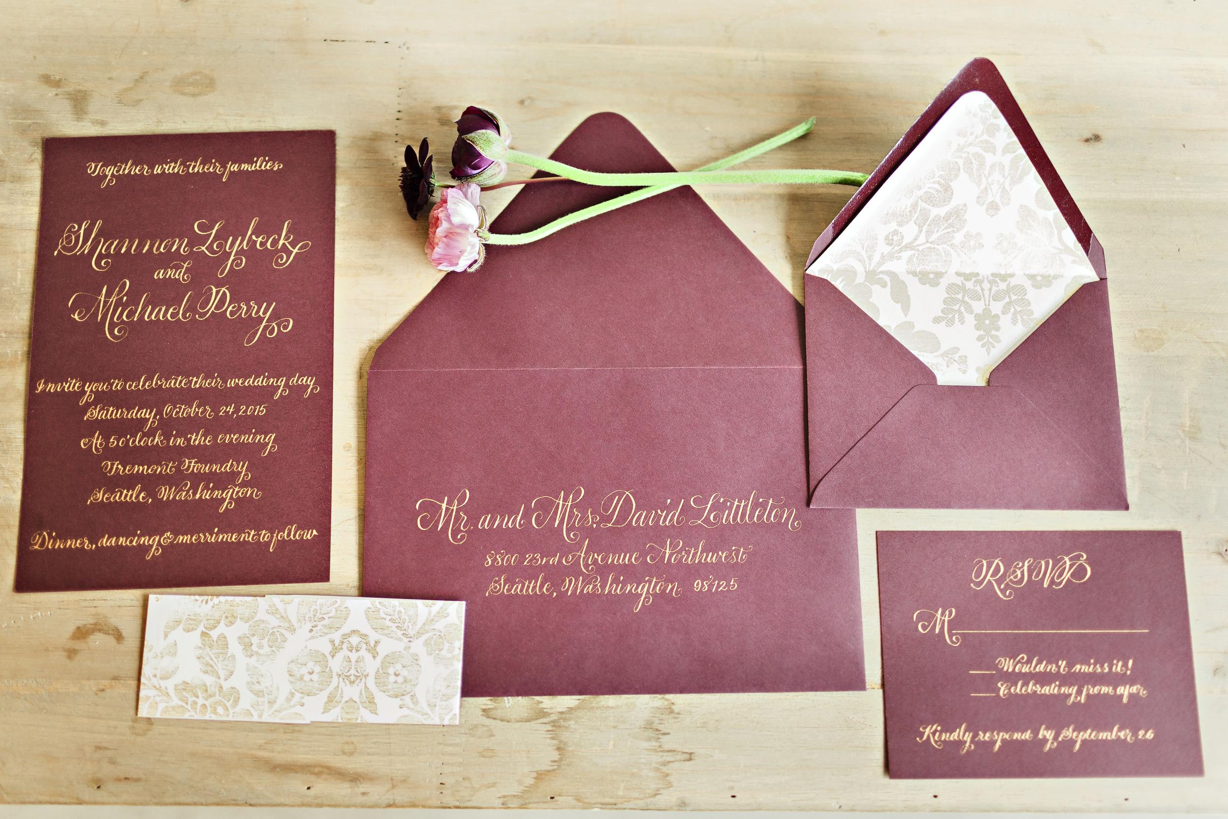 Vintage Glam Wedding Inspiration | Wedding Wise Seattle | Fremont Foundry Wedding | Courtney Bowlden Photography