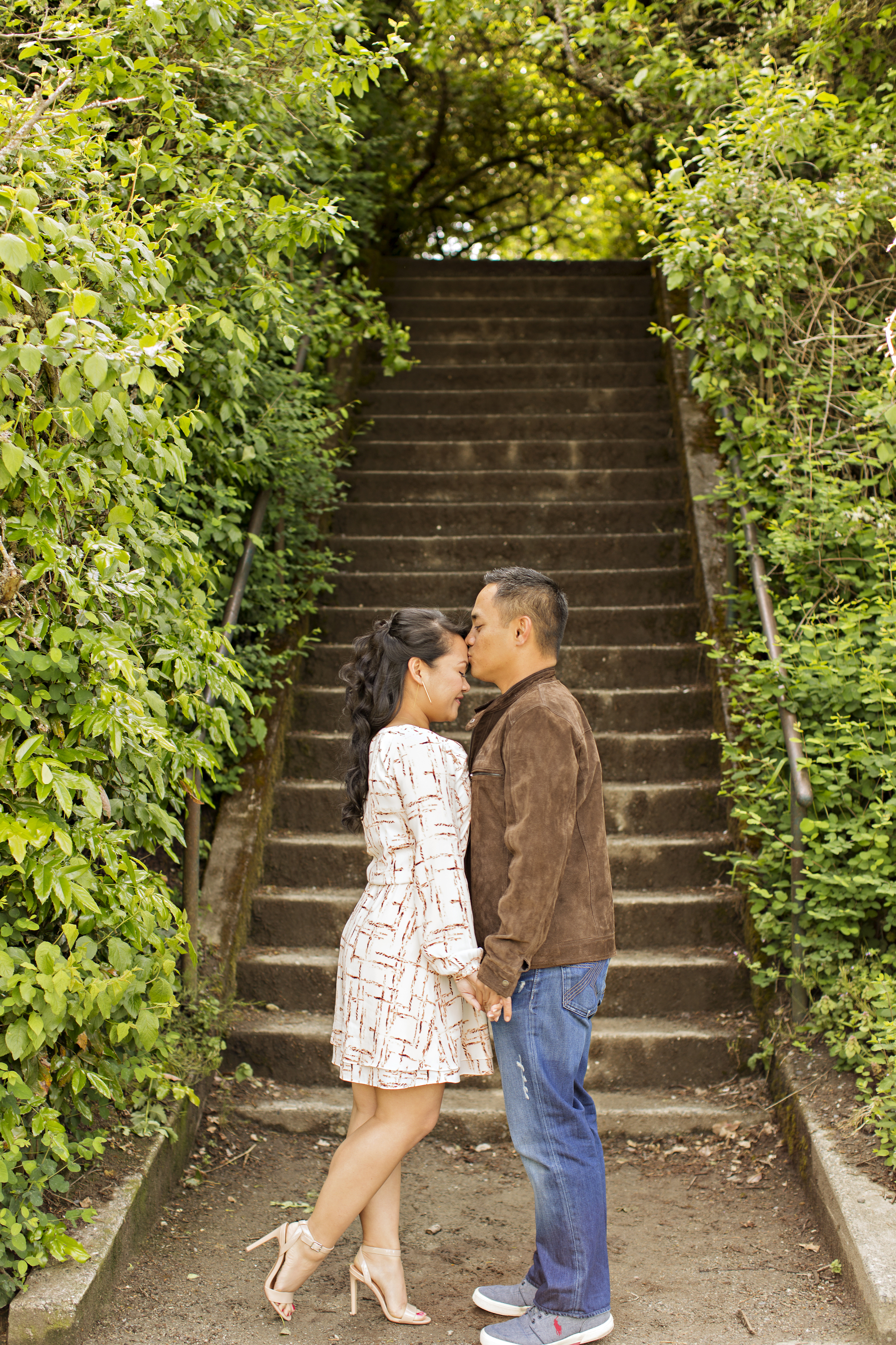 Seattle Engagement Session | Discovery Park Engagement | Wedding Wise Seattle Planning | Courtney Bowlden Photography