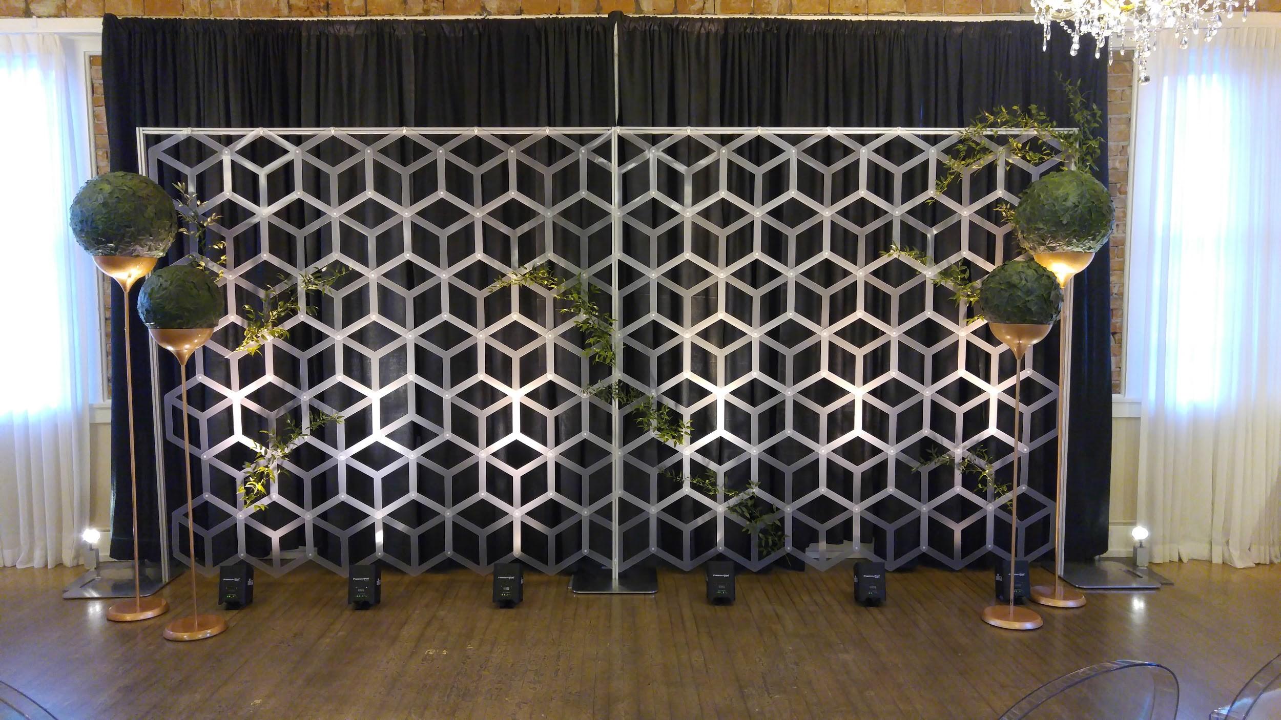 Wedding Wise, Seattle Wedding Planner   2017 Pantone Greenery Wedding Ideas   Geometric Ceremony Backdrop