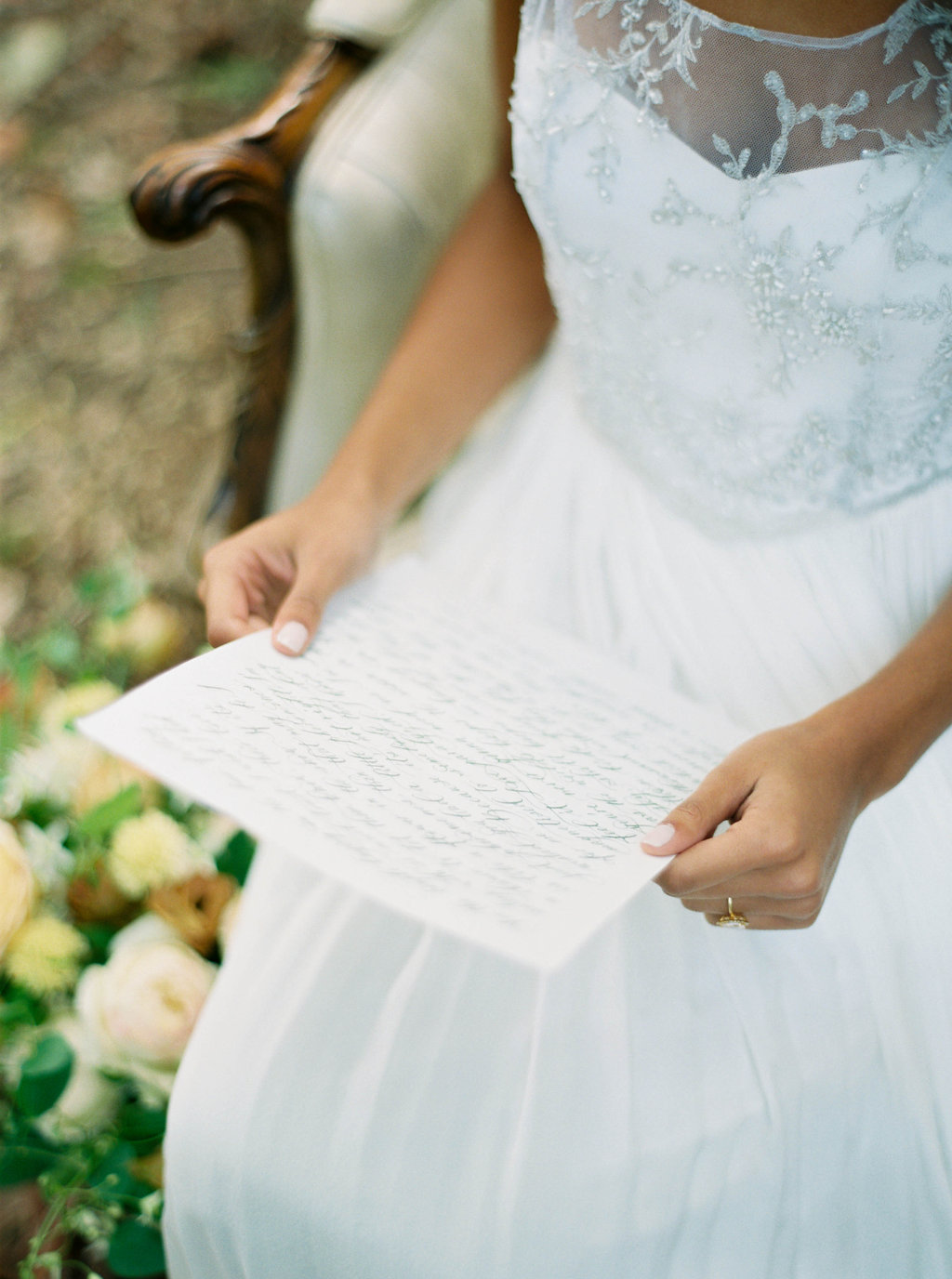 Wedding Wise, Seattle Wedding Planner | 2017 Pantone Color of the Year, Greenery | Sarah Carpenter Photography | Bride reading vows