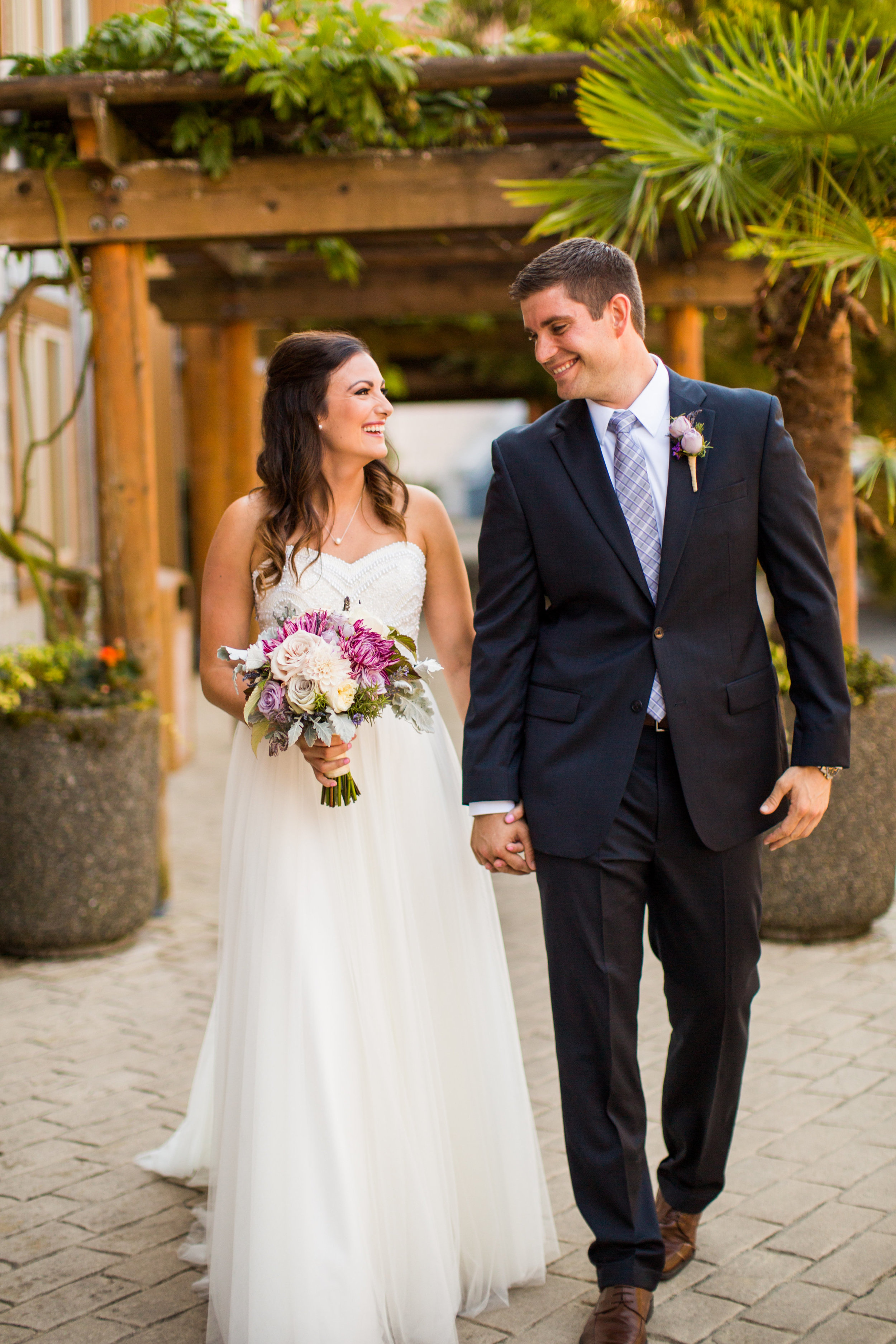 Seattle Wedding Planner, Wedding Wise | Ciccarelli Photography | Edgewater Hotel Wedding | Bride and groom photos | Navy blue wedding suit