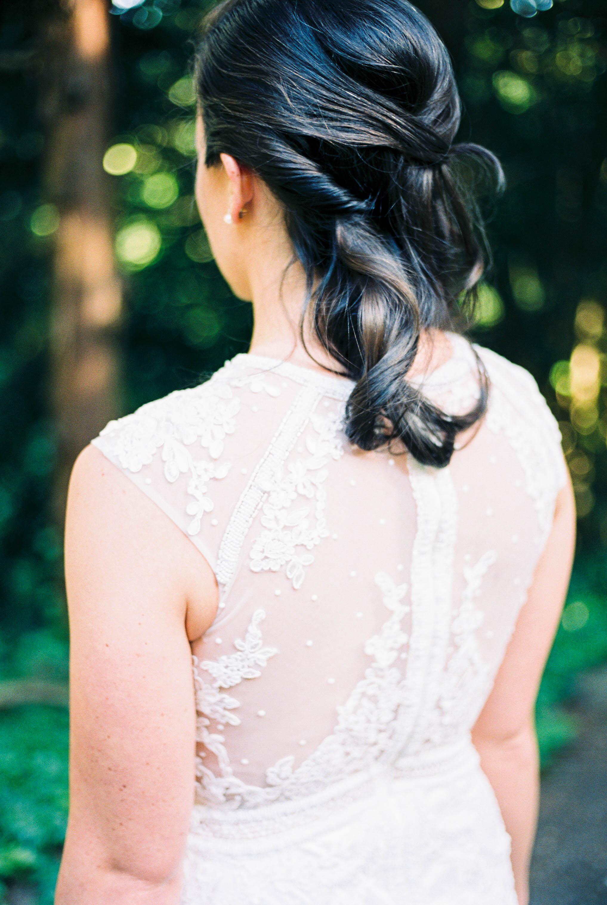 Wedding Planner Seattle   Wedding Wise   Kerry Jeanne Photography   JM Cellars Wedding   Wedding half up hairstyle