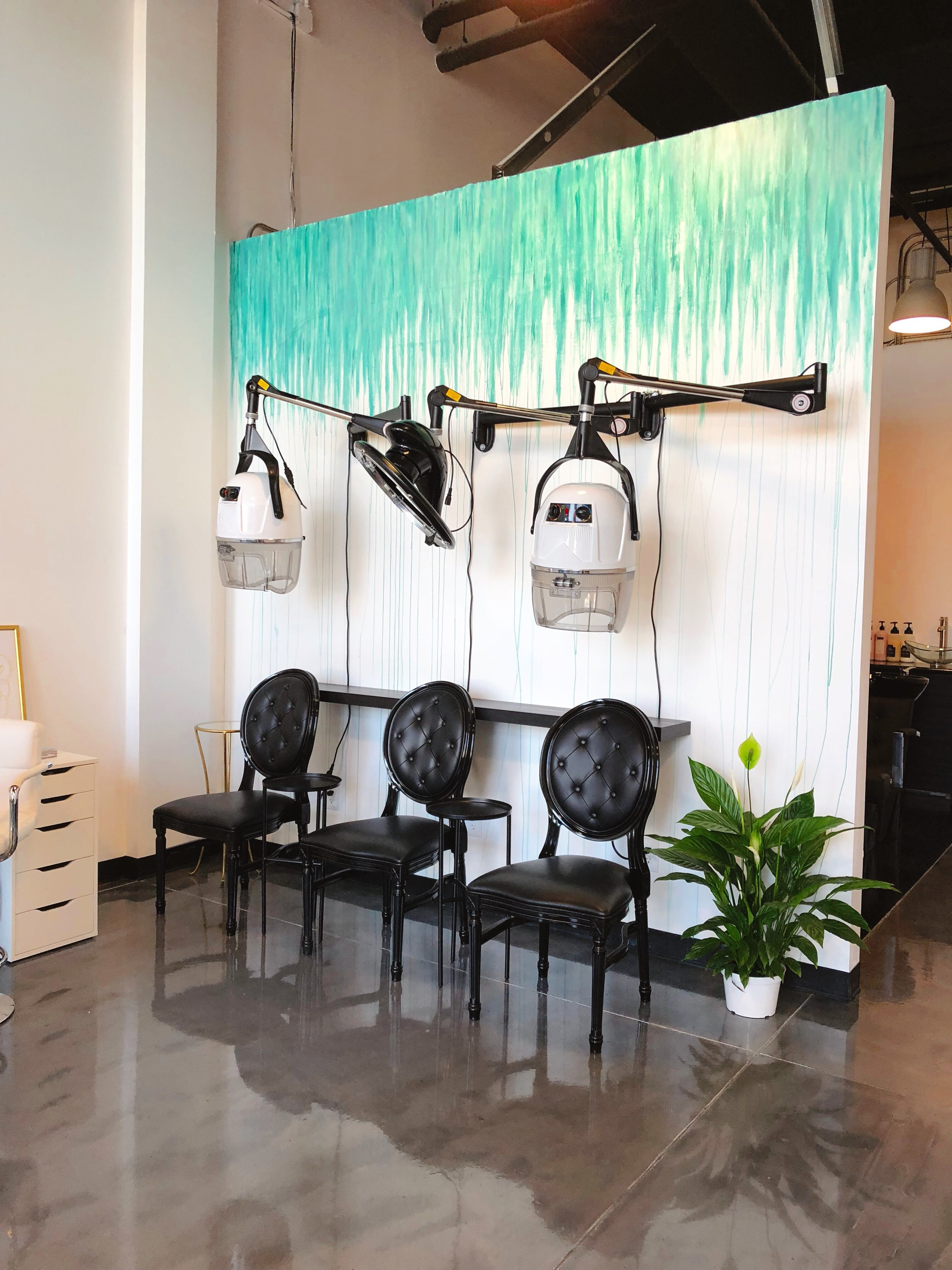 Brand Design Texture applied to interior of Smart Set Salon and Spa.