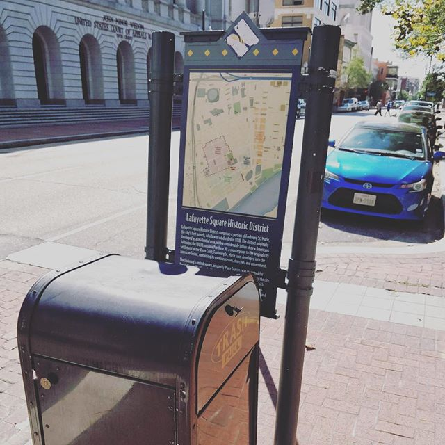 ❌Today's wayfinding faux pas: putting trash-can obstructions in front of your signage... Otherwise a helpful city wayfinding system in New Orleans. . . . #wayfinding #signage #cityplanning #urbanplanning #navigation #walk #pedestrian #neworleans