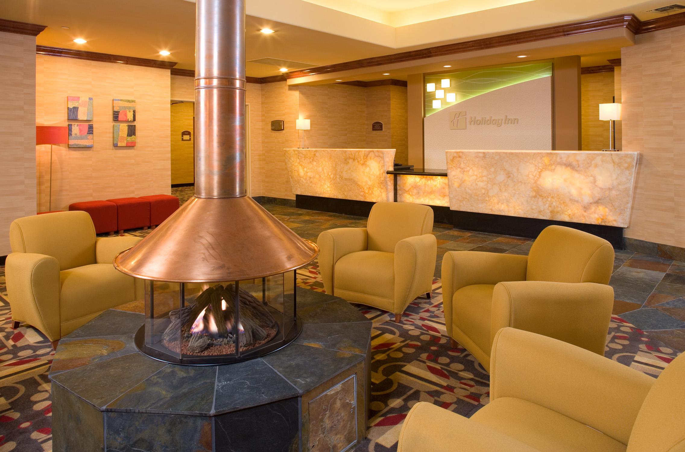 Copy of lobby1.jpg