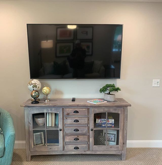 The right sized TV professionally installed can make just about any room a secondary entertaining space.  #homeautomation #homecontrol  #smarthousemansion #smarthometechnology #smarthometech #smarthome  #control4 #sonos #sony4ktv #avtweeps #bryanston #originacoustics #wifi #iot #internetofthings #mancave #hiddentechnology #smart #easy #quick #home #living #family #electronic #intelligent #clever #useful