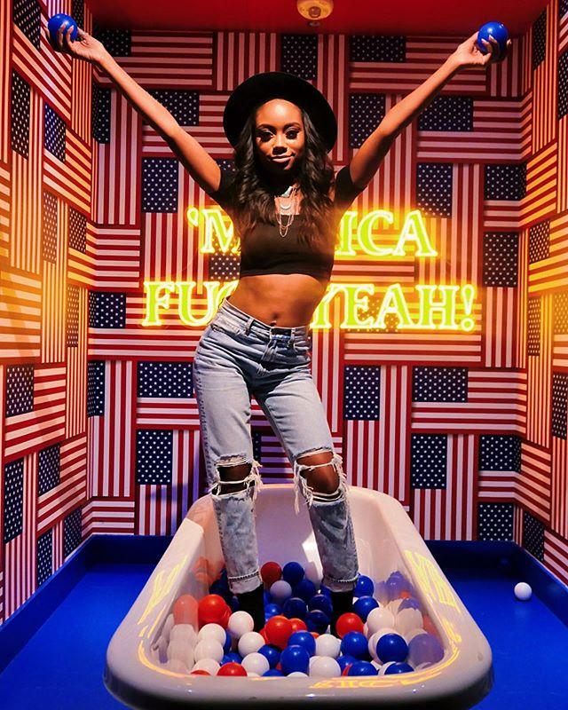 I'll squash your balls. #lolwoops #nofucksgiven 📸✨: @alisaatkinson