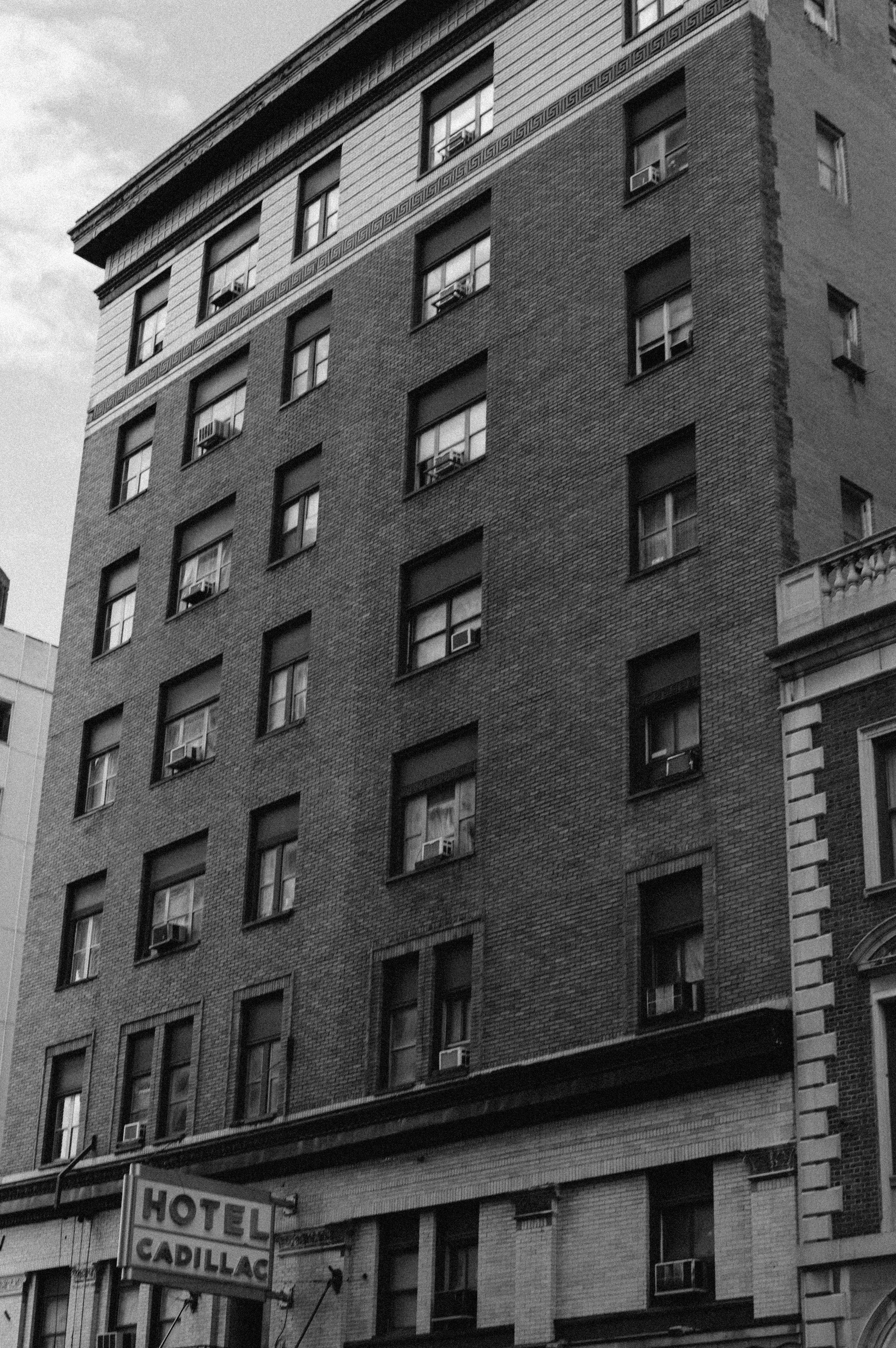 hotel cadillac bnw.JPG