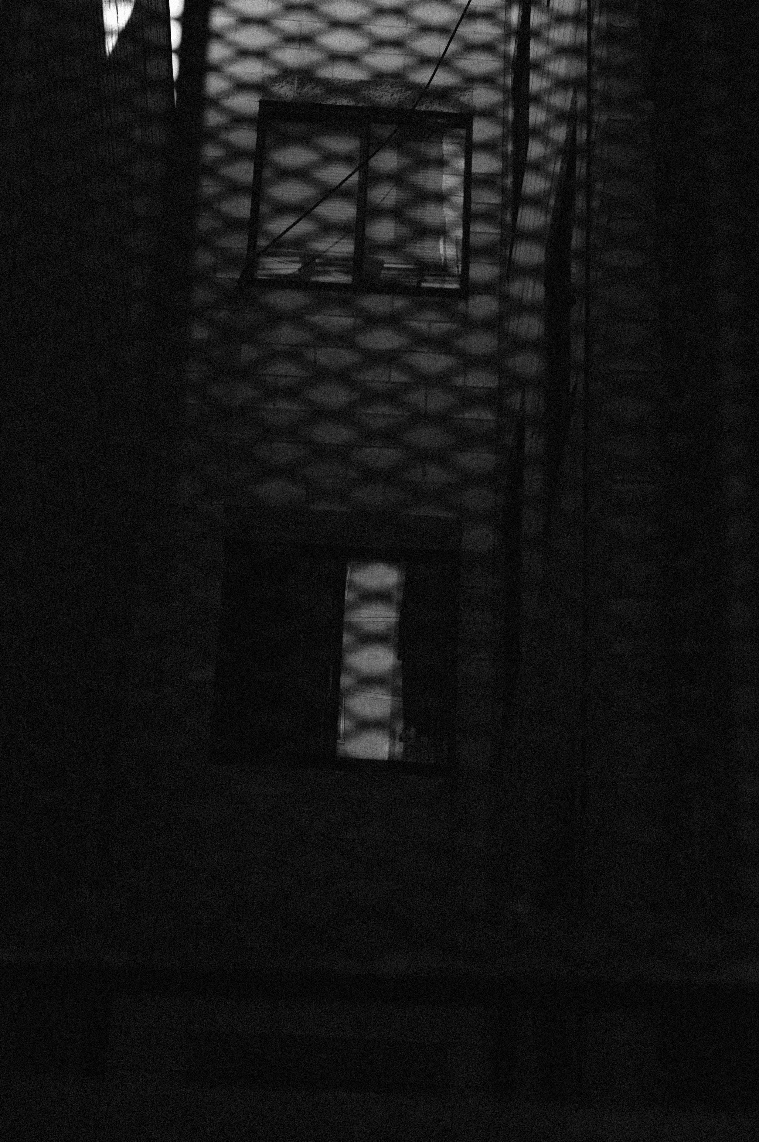 bw alley 2.JPG