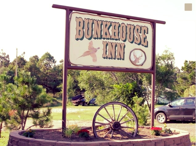 Bunk House Inn  - Motel, Guesthouse & Cabins Isabel, SD (605) 466-2666