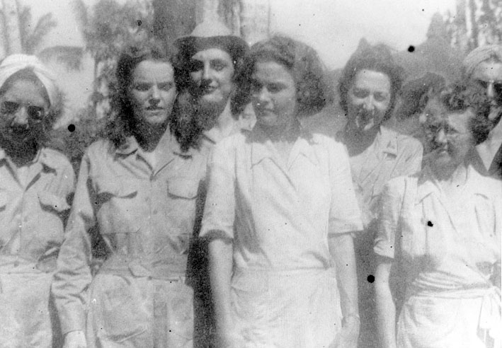 Army_nurses_rescued_from_Santo_Tomas_1945h.jpg