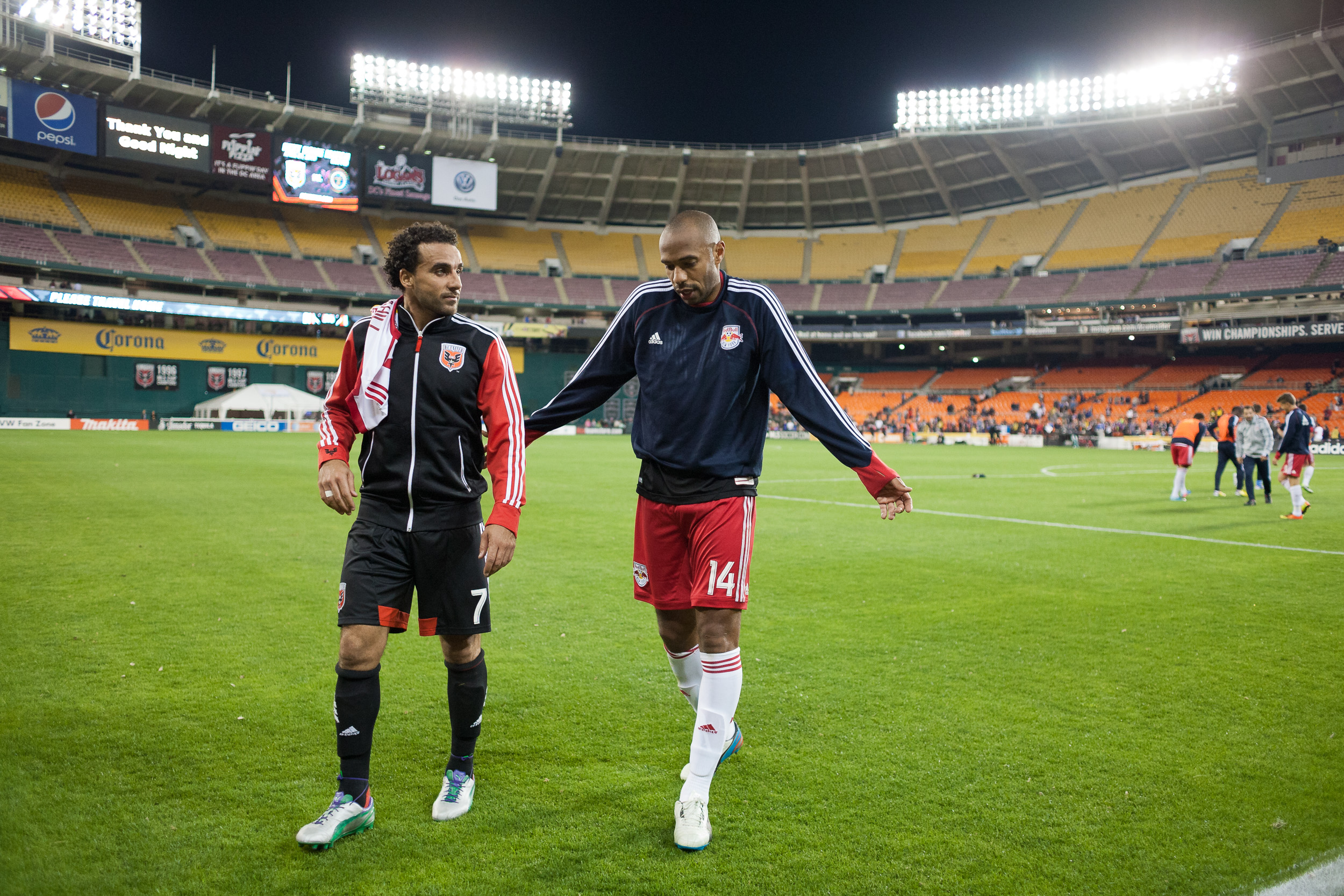 Dwayne De Rosario (7) and Thierry Henry