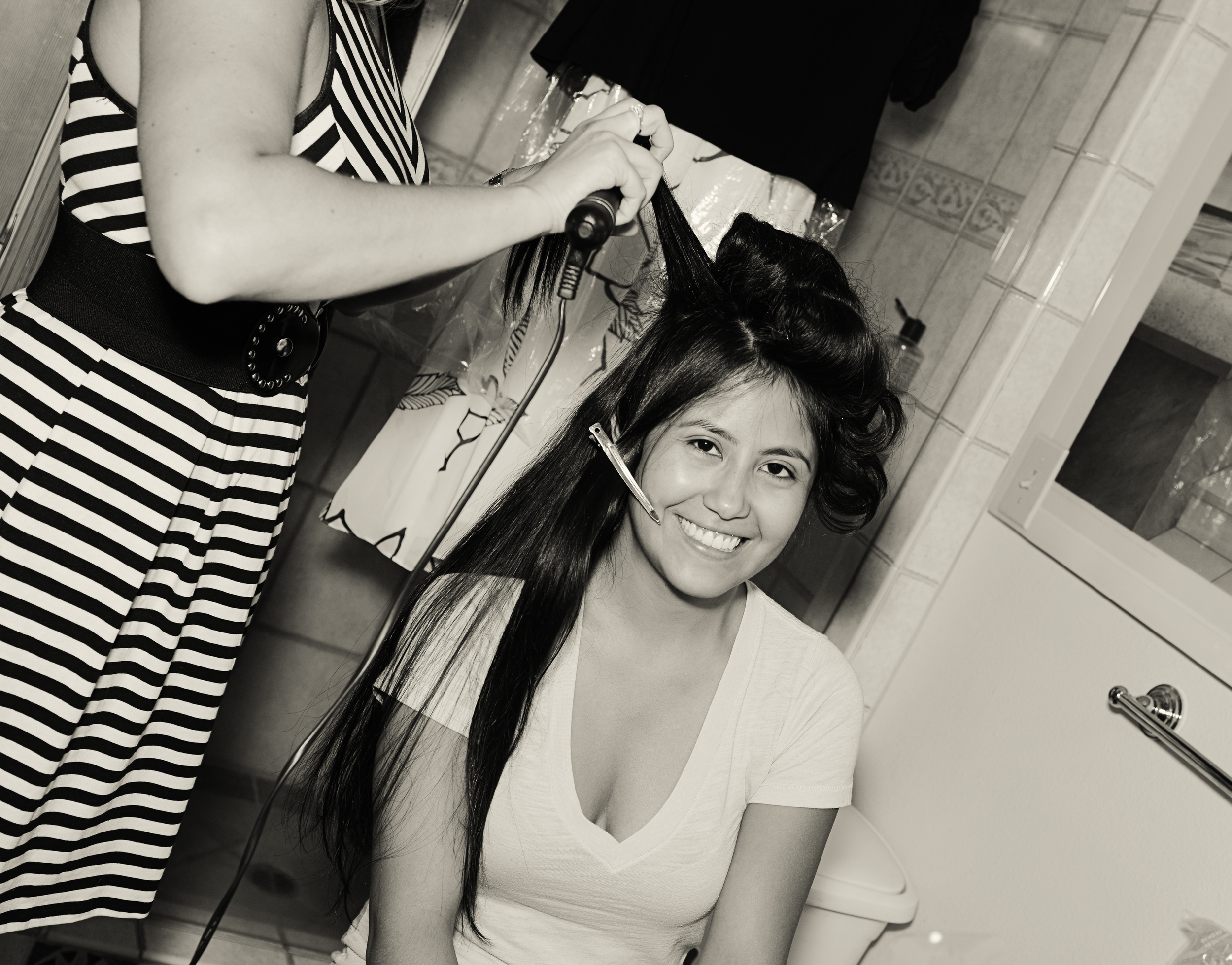 Cody and Joselyne - Joselyne and Bridal Party Getting Ready (19).jpg