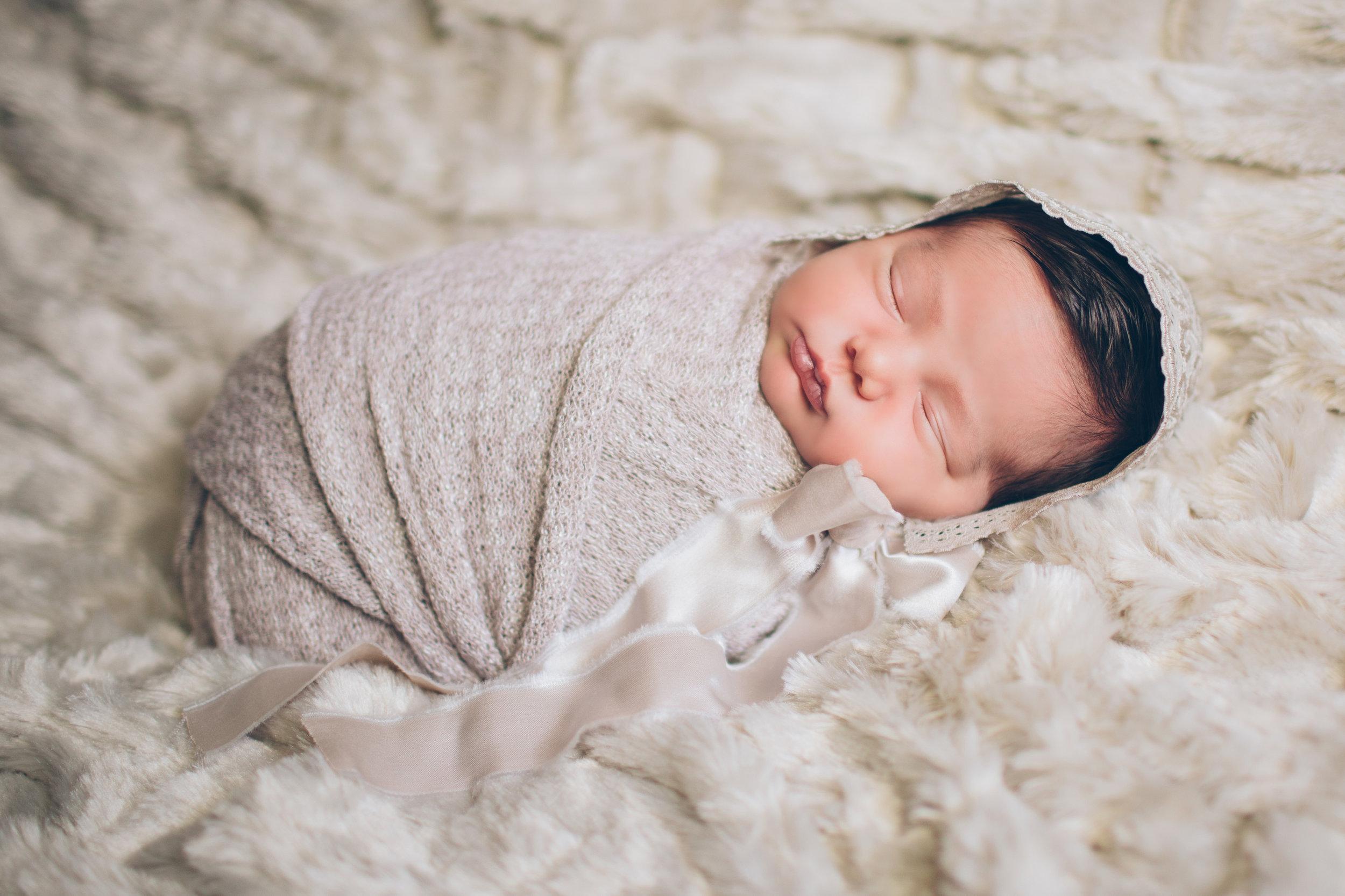 Salphie Markarian Newborn Photo Session-3.jpg