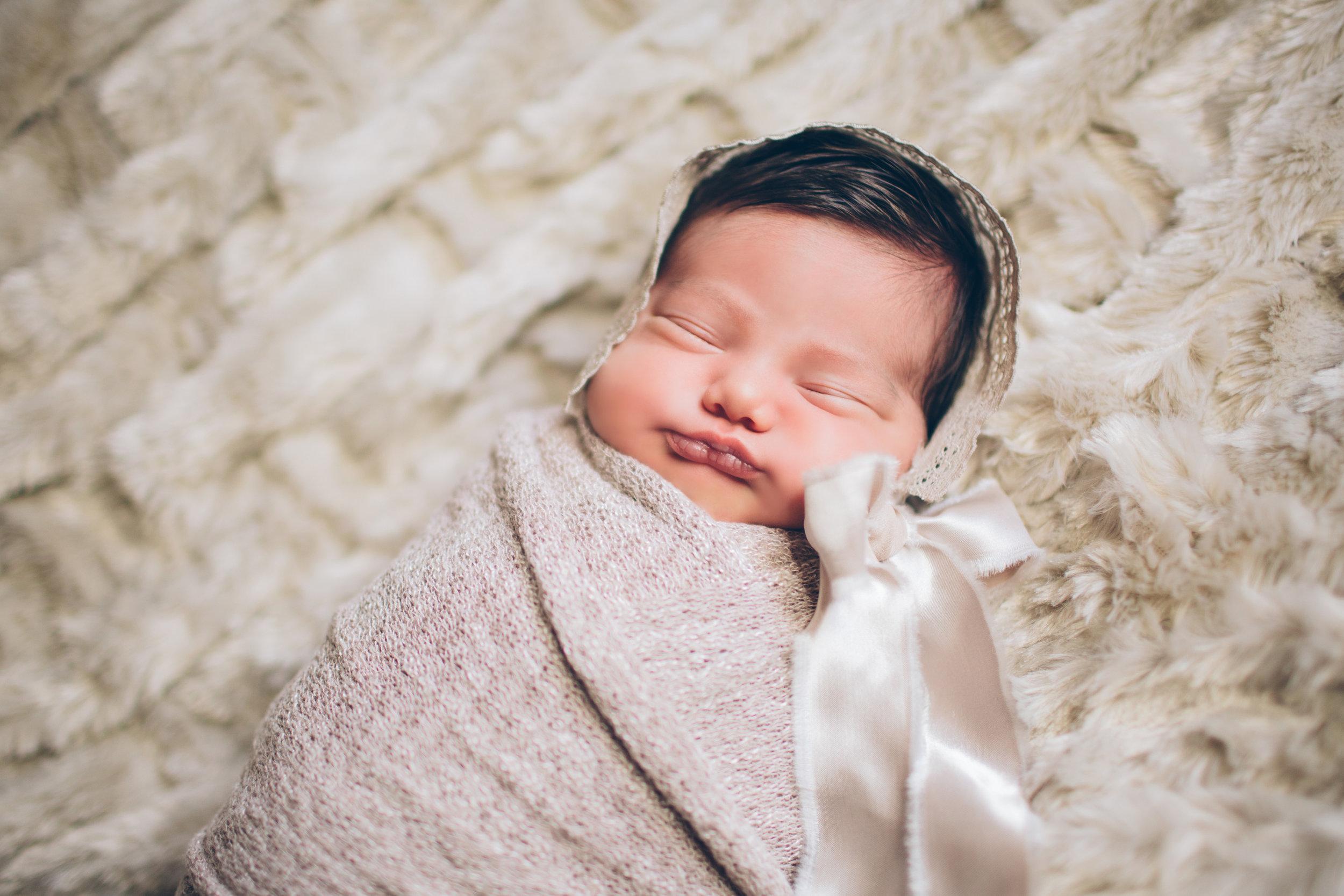 Salphie Markarian Newborn Photo Session-4.jpg