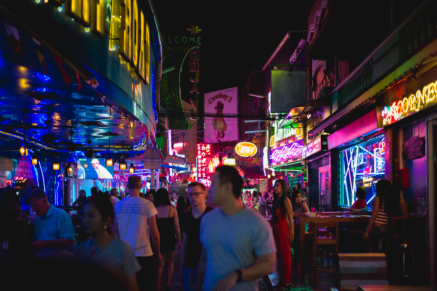 The area is not so big, but there is a cluster of bars and establishments along the alley
