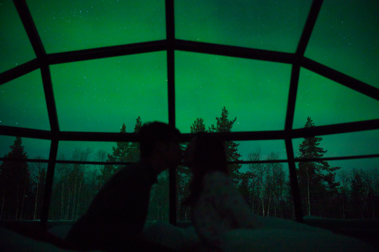 Woke up at 5AM due to a jet lag, our first encounter of aurora borealis