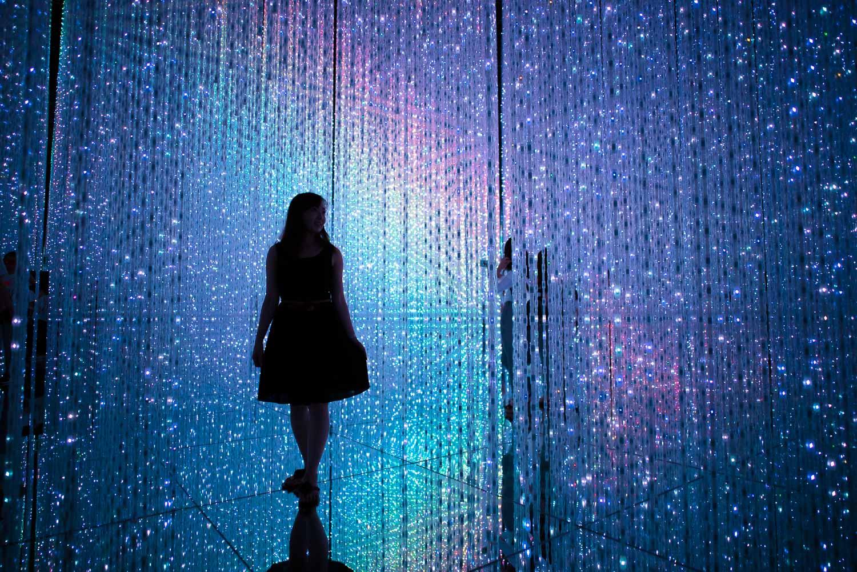 Galaxy of Light @EPSON Teamlab Borderless