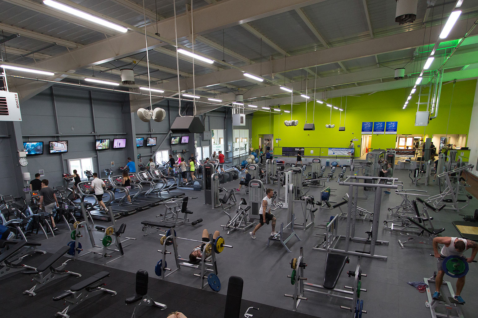 winners-gym-2000-newton-abbot-7.jpg