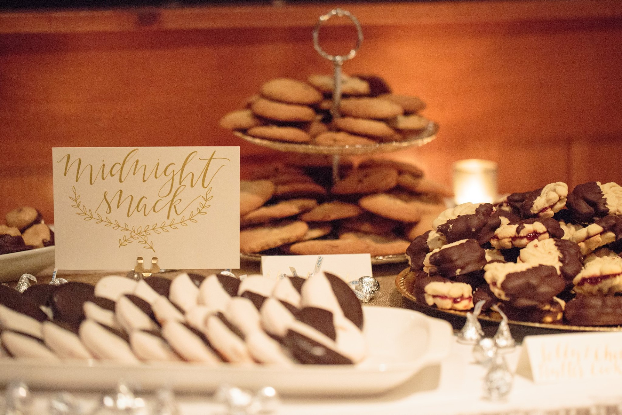 We (Still) Do: Liberty Mountain Resort Wedding Vow Renewal | Shotgunning for Love Letters | Cookie Dessert Table