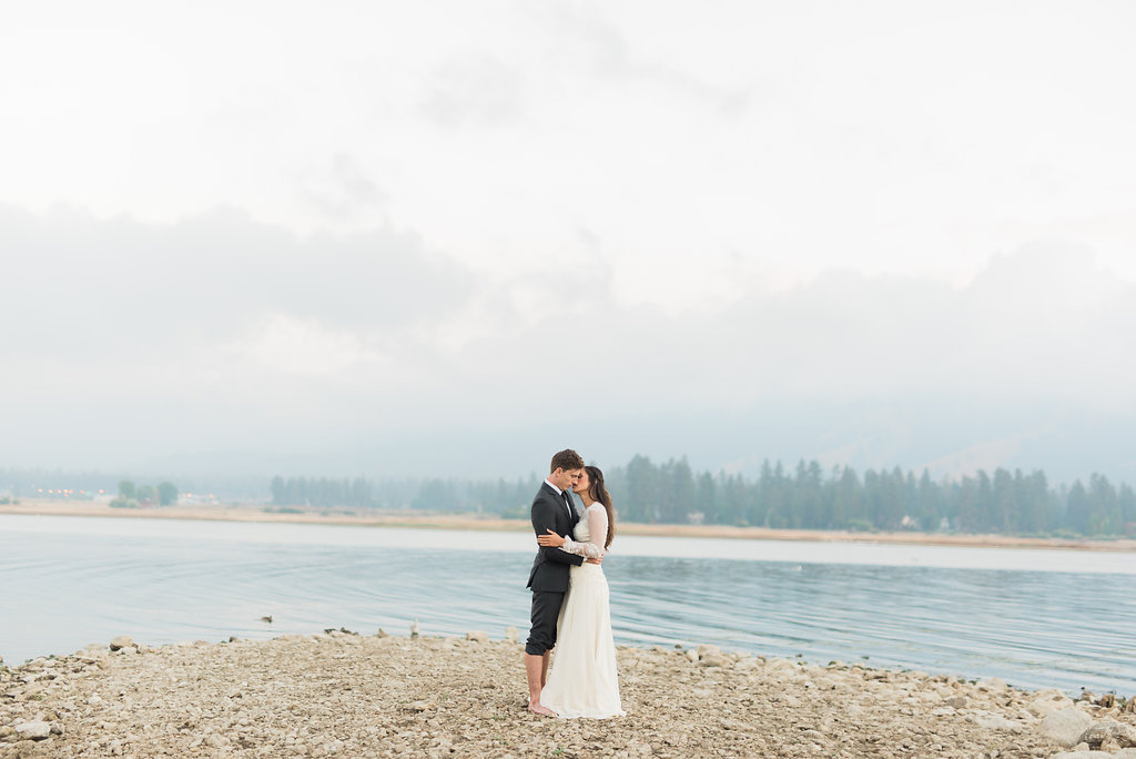 Big Bear Lakeside California Wedding | Shotgunning for Love Letters - Bride and Groom Portraits