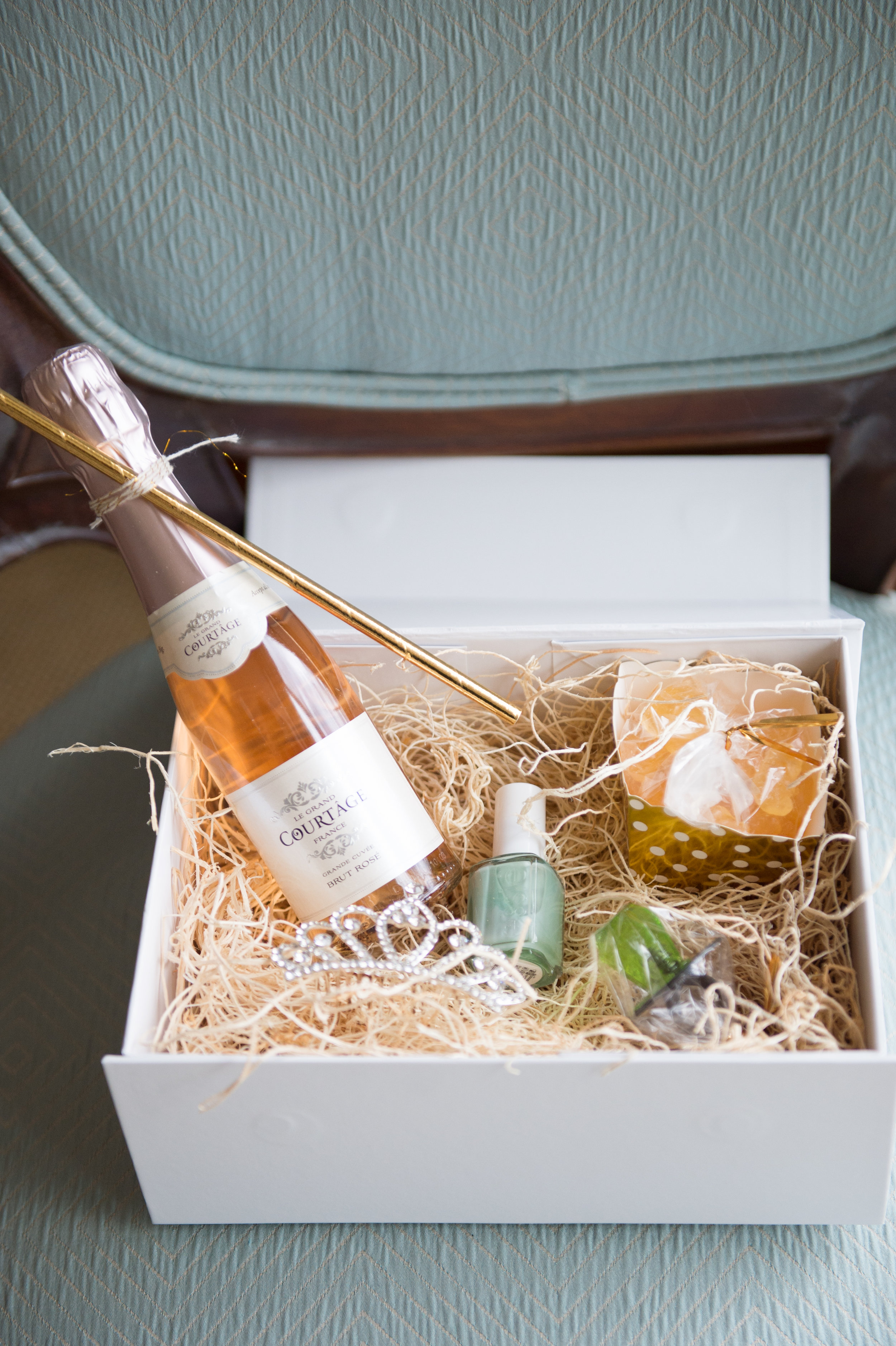Gibson Island, MD Wedding | Abby Jiu Photography | Shotgunning for Love Letters | Wedding Welcome Box, Bridesmaid Gift Box