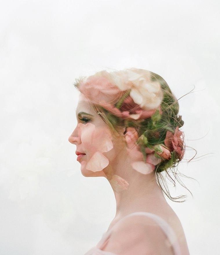 Delicate & Feminine Bridal Inspiration Along the Windswept Shore | The White Wren