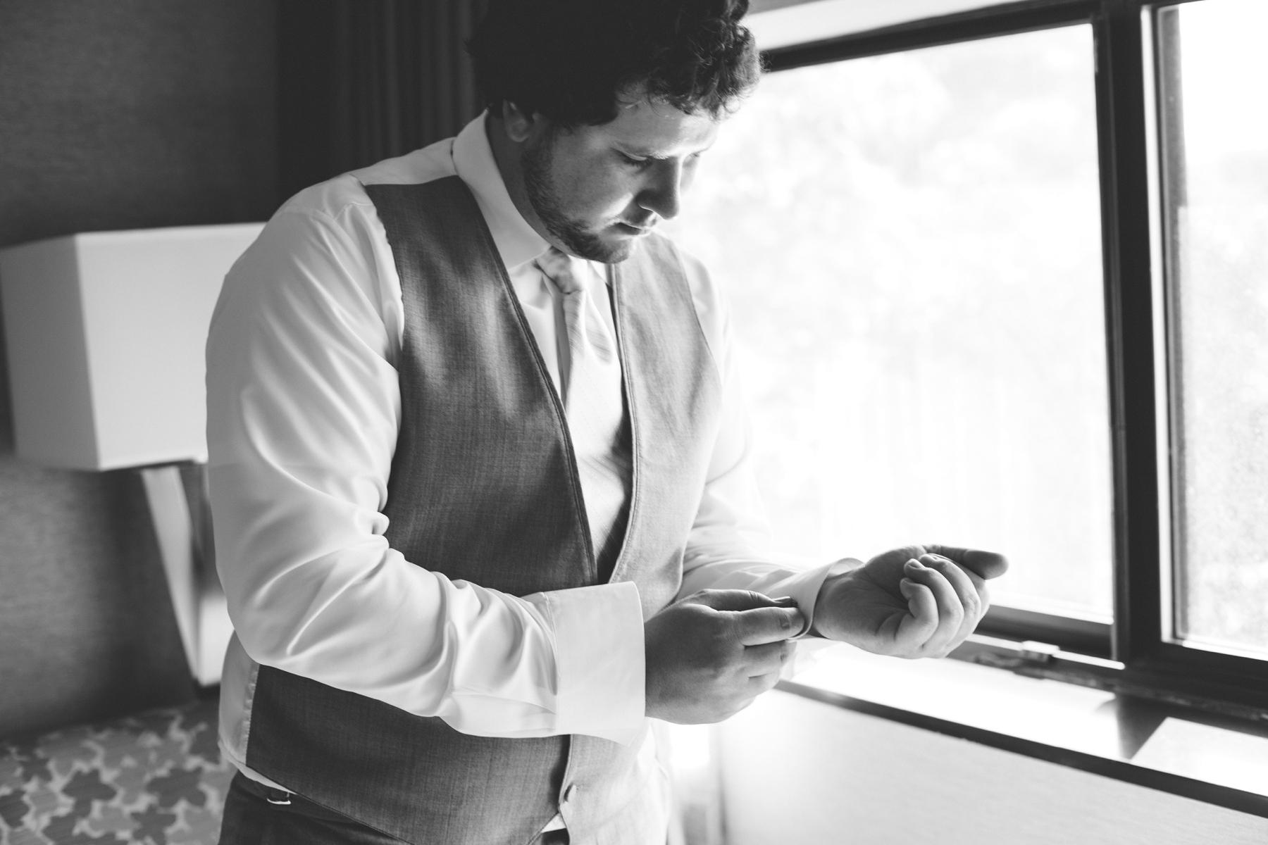 Brandon_Shafer_Photography_Chris_Lauren_Michigan_State_Capital_Wedding_0006.jpg
