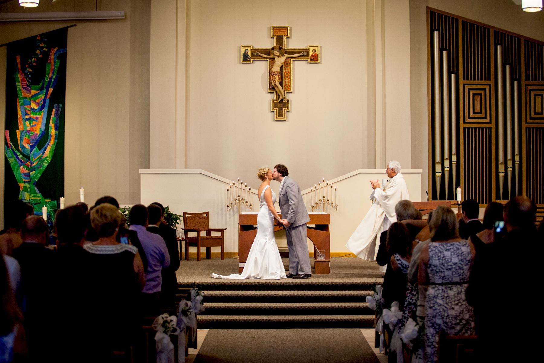 Brandon_Shafer_Photography_Chris_Lauren_Michigan_State_Capital_Wedding_0025.jpg