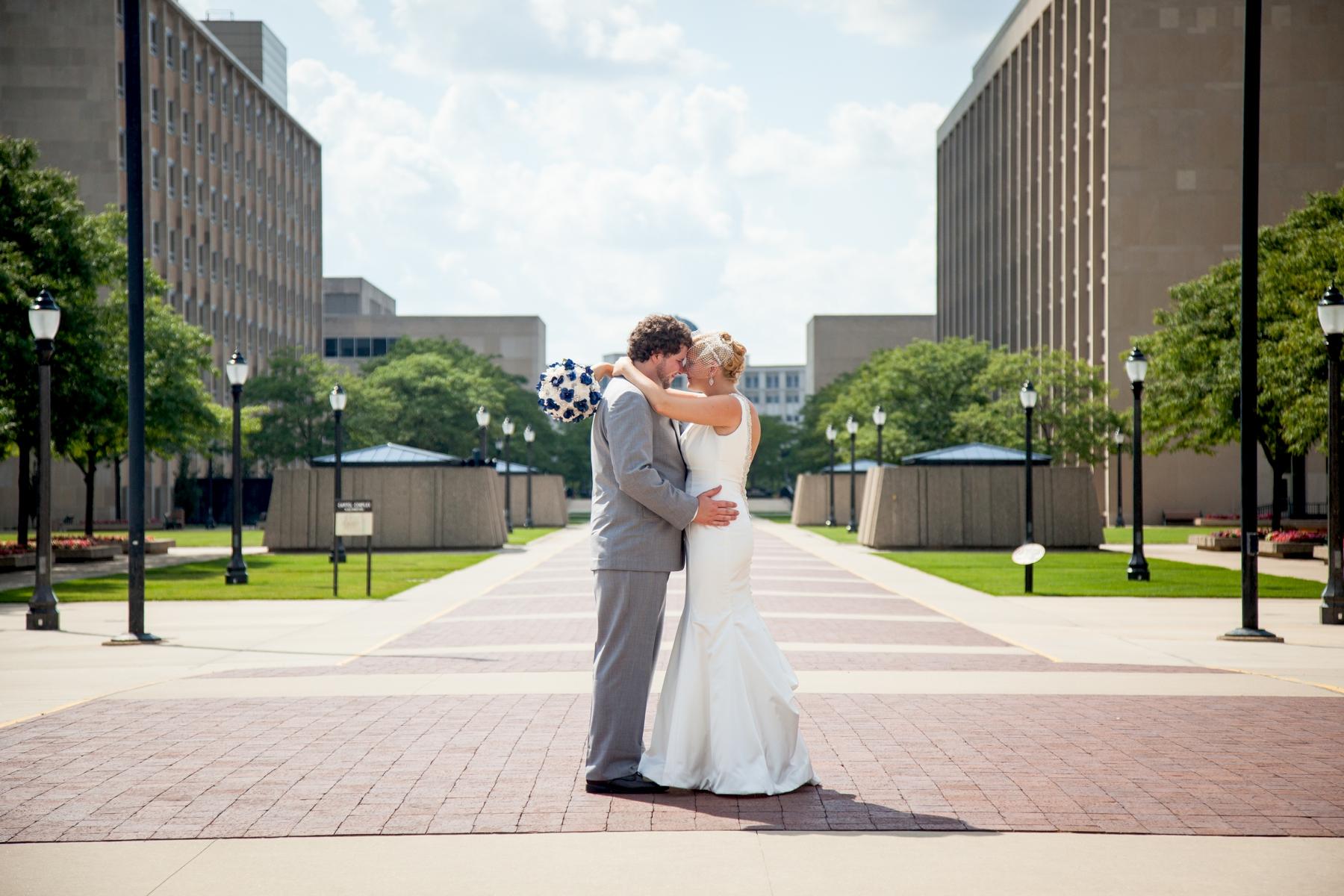 Brandon_Shafer_Photography_Chris_Lauren_Michigan_State_Capital_Wedding_0031.jpg