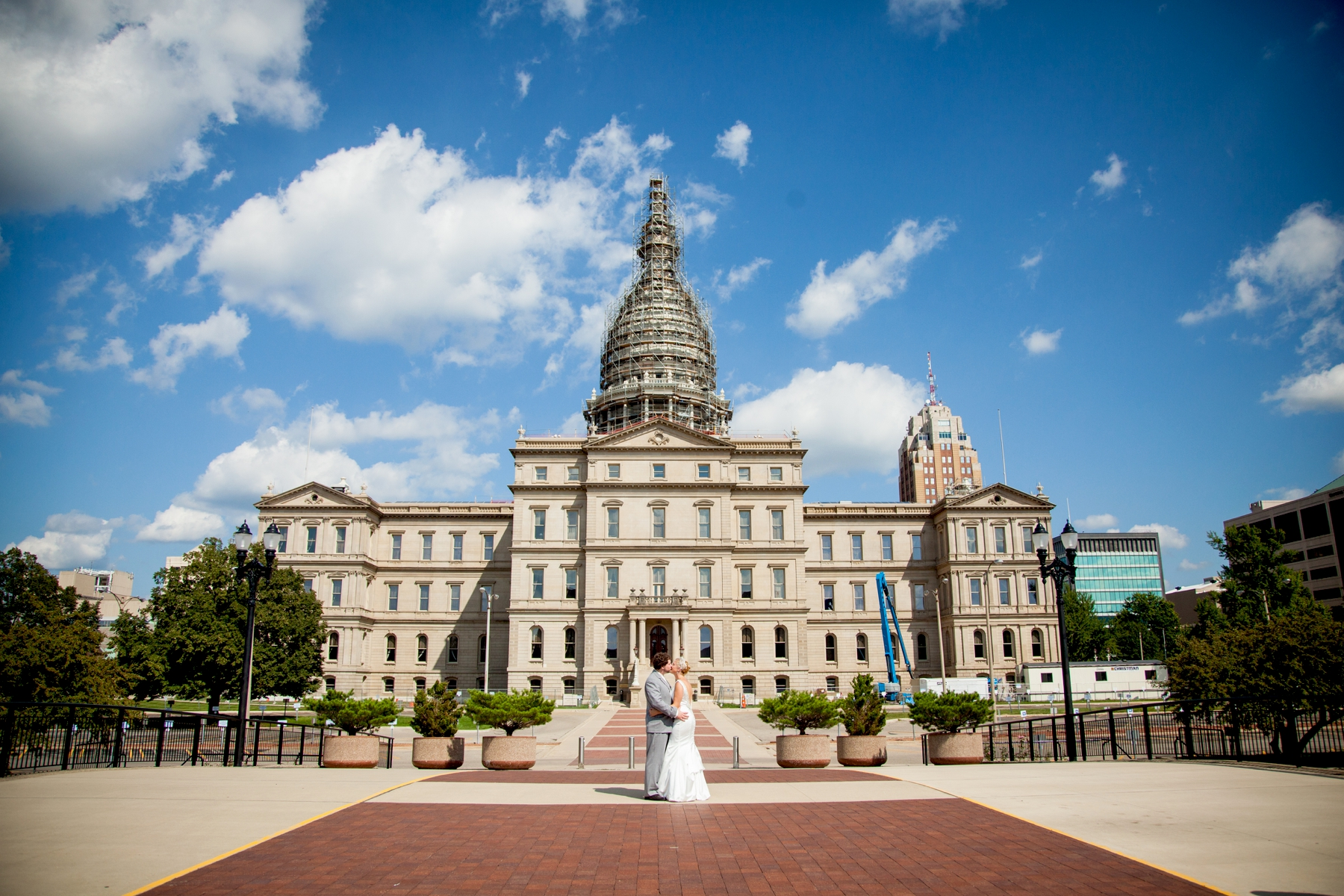 Brandon_Shafer_Photography_Chris_Lauren_Michigan_State_Capital_Wedding_0032.jpg
