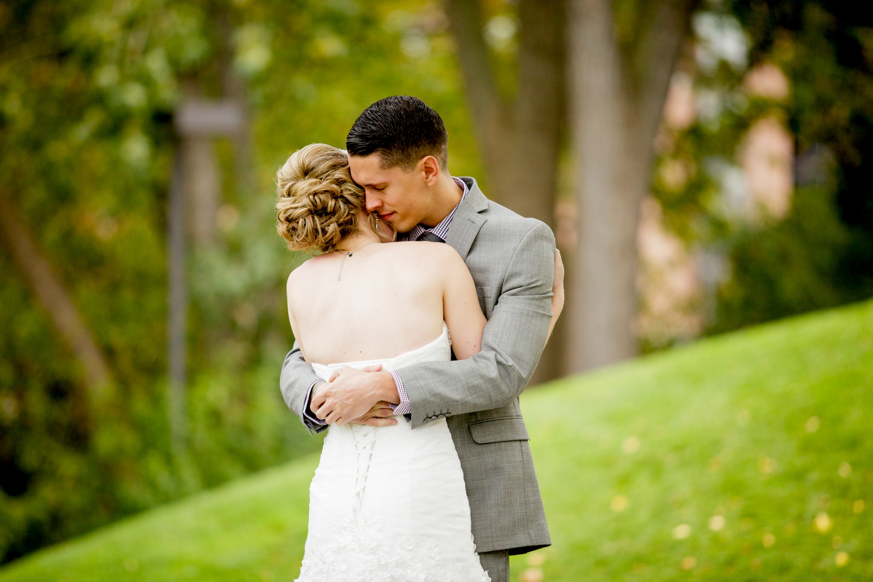 Brandon_Shafer_Photography_Kristen_Corey_Downtown_Grand_Rapids_Fall_Wedding0017.JPG