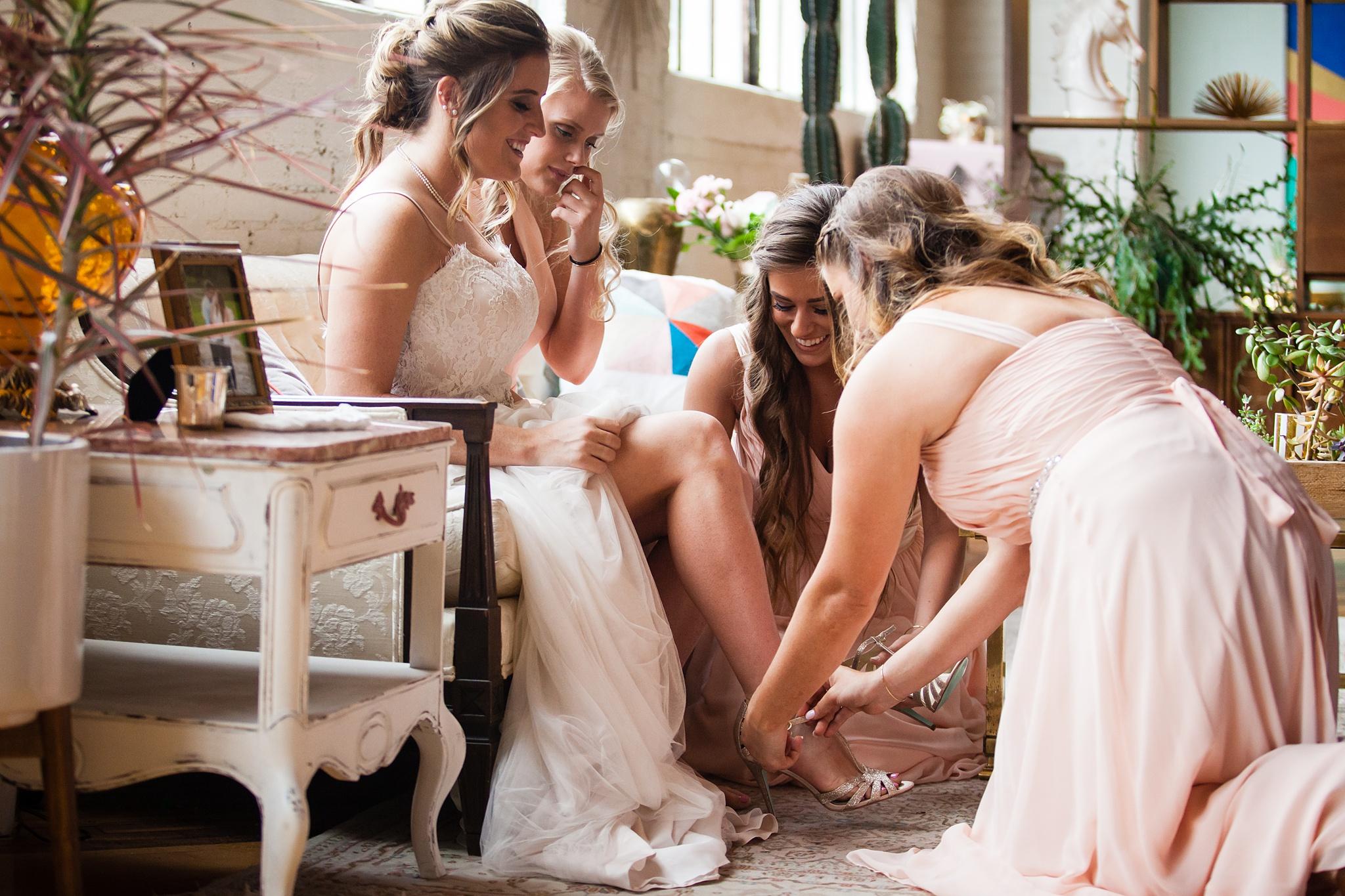 Meghan_Drew_Grand_Rapids_Cheney_place_Wedding017.JPG