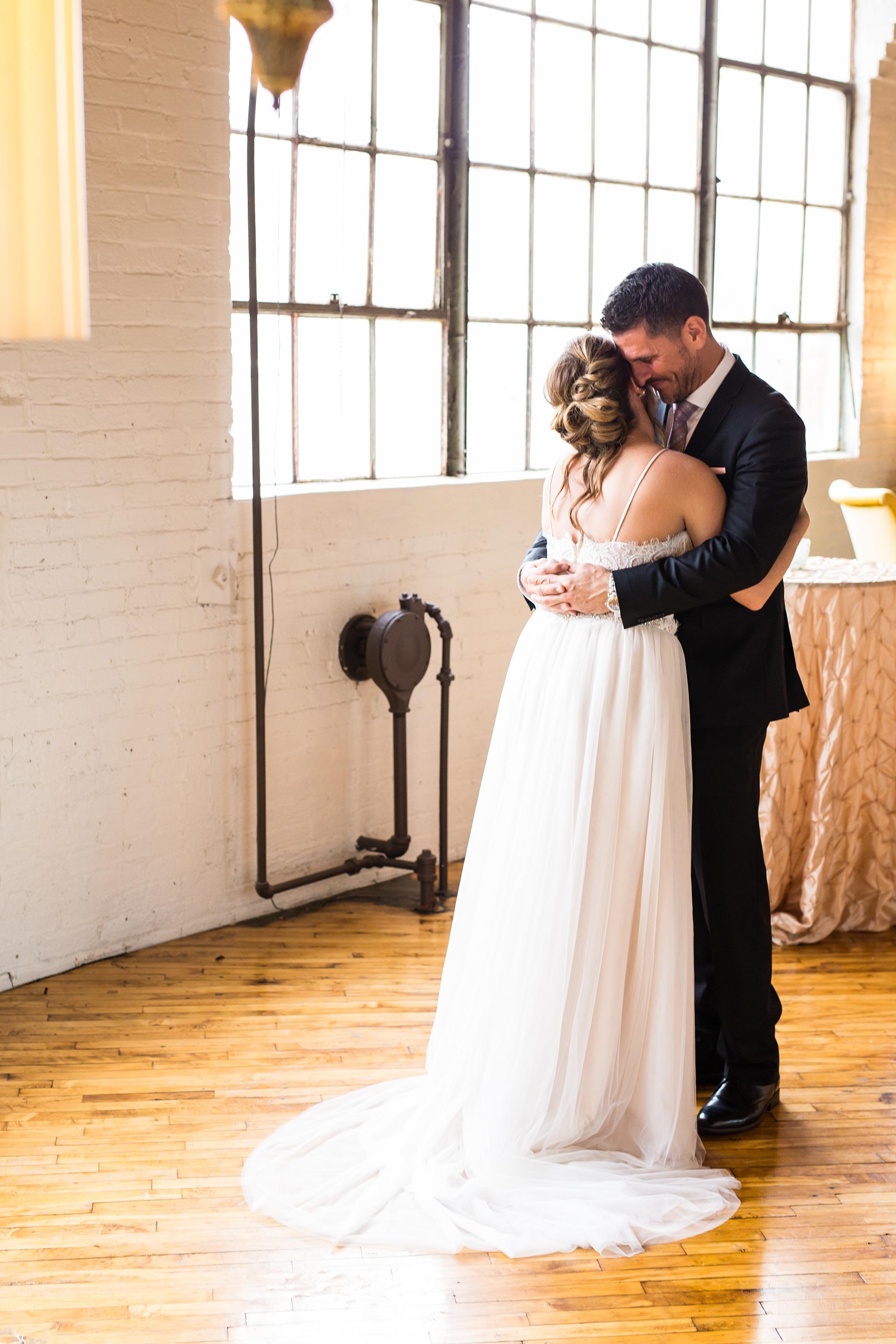 Meghan_Drew_Grand_Rapids_Cheney_place_Wedding021.JPG