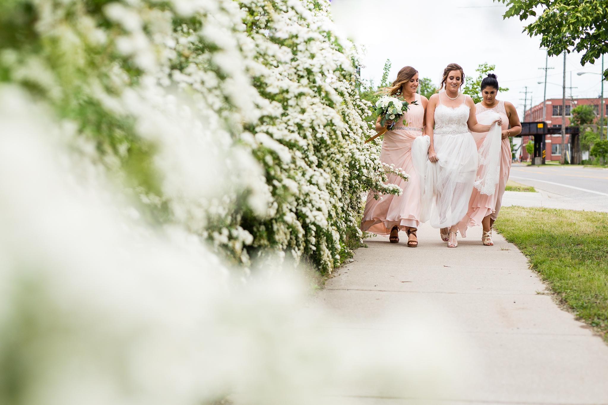 Meghan_Drew_Grand_Rapids_Cheney_place_Wedding025.JPG