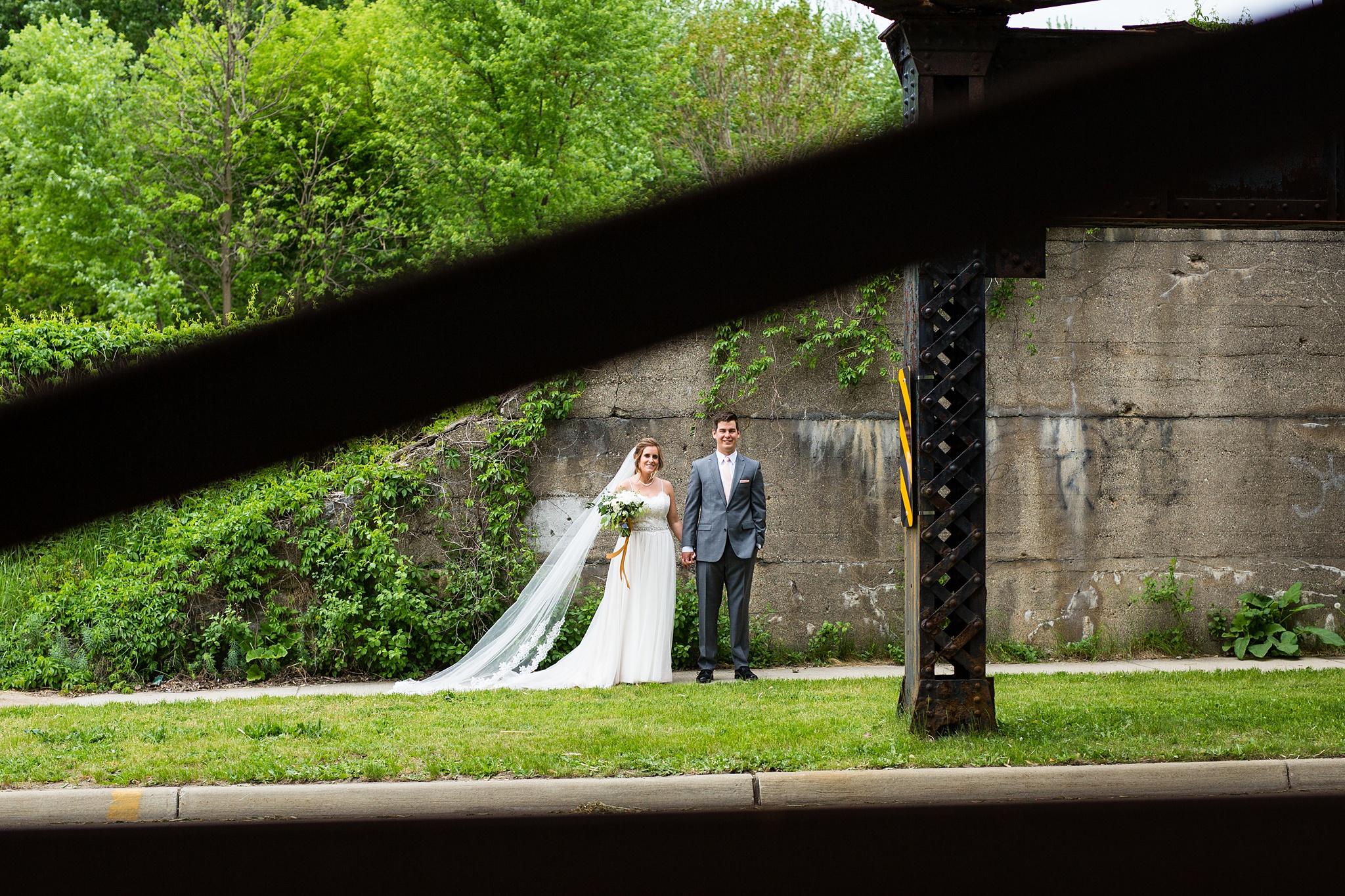 Meghan_Drew_Grand_Rapids_Cheney_place_Wedding029.JPG