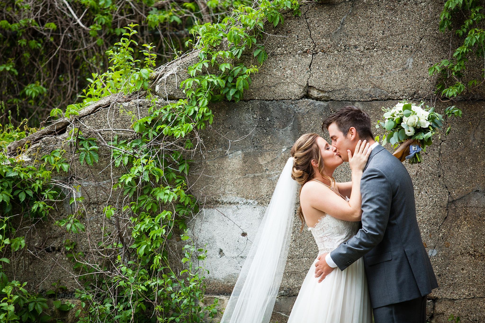Meghan_Drew_Grand_Rapids_Cheney_place_Wedding032.JPG