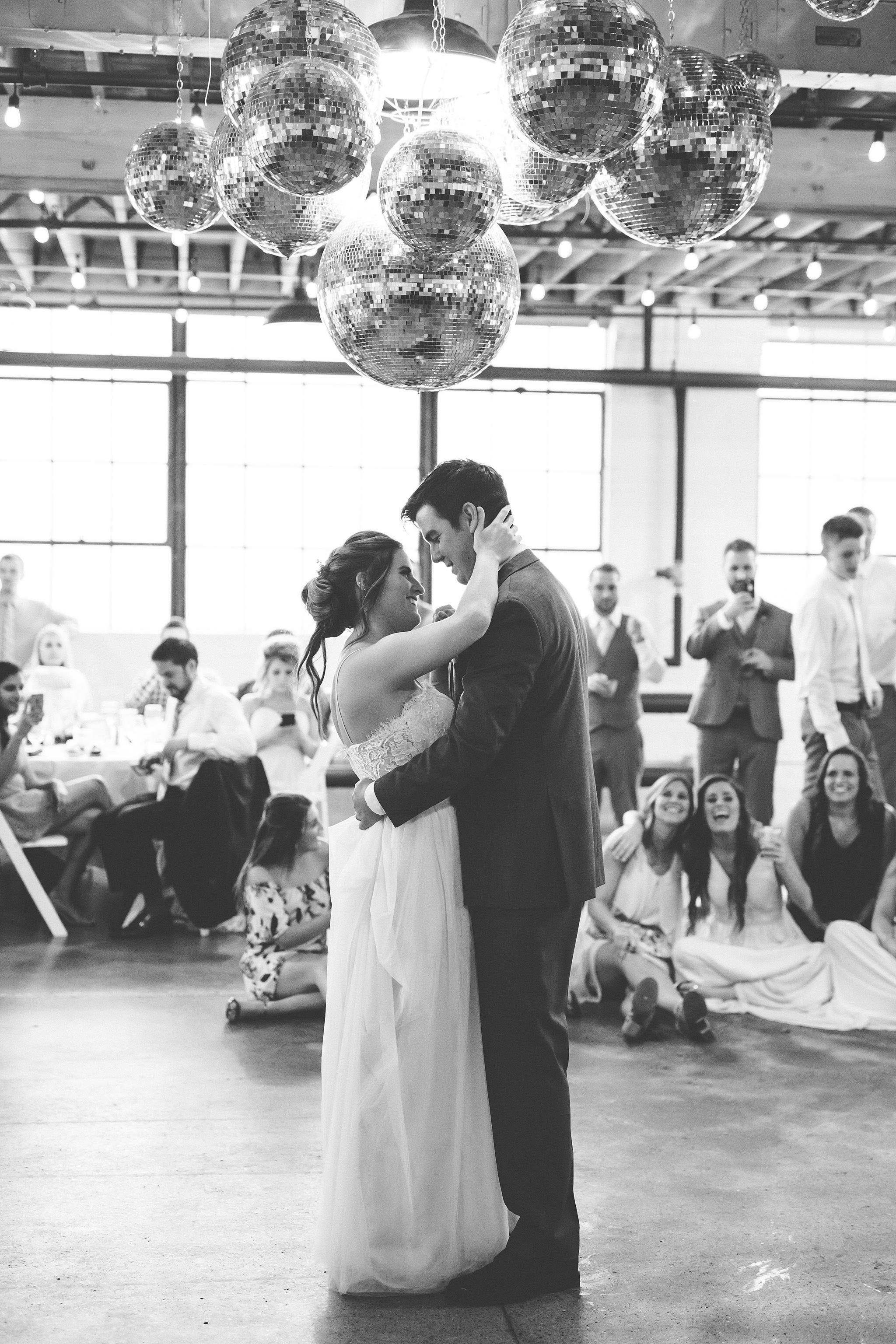 Meghan_Drew_Grand_Rapids_Cheney_place_Wedding087.JPG